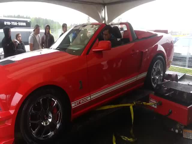 Shelby GT500 Destroys a Dyno