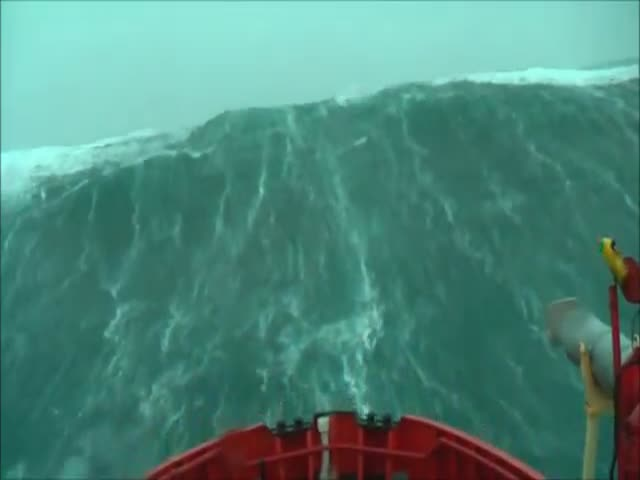 The Terrifying Sight of Monstrous Waves Hitting a Ship