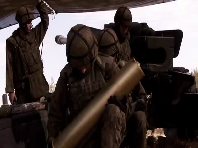 What It Sounds and Looks like to Be in the Middle of 130mm Artillery Fire