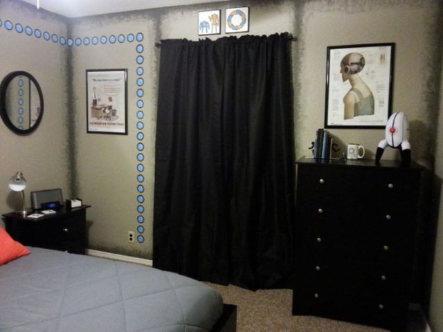 DIY Geeky But Cool Portal Themed Bedroom