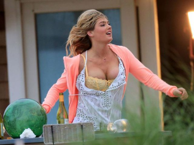 Kate Upton Nearly Loses Control of Her Boobs