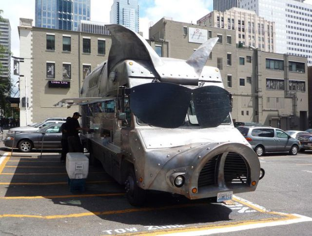 Interesting and Unusual Food Trucks Seen on the Streets