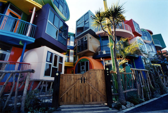 Weird and Wonderful One-of-a-Kind Buildings from around the World