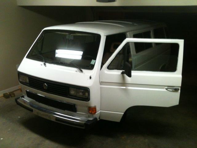 """Old Volkswagen Van Gets a """"Sharpie"""" Makeover"""