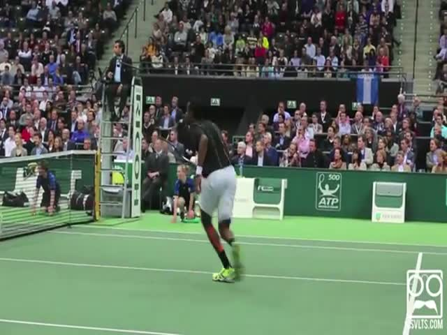 Gael Monfils Is an Incredible Tennis Trick Shot Master
