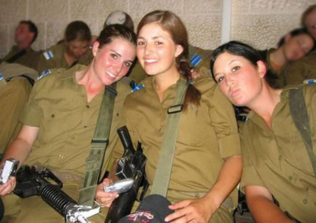 Which Country Has The Most Beautiful Female Army Soldiers -6872
