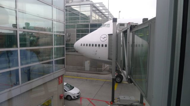 The Experience of the First Class on the Lufthansa Airlines