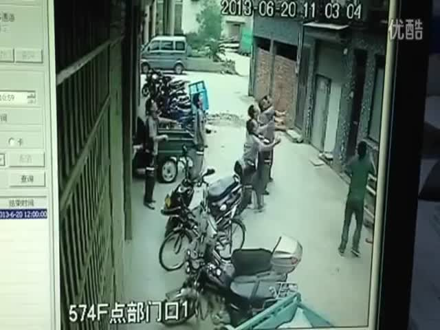 Little Girl Falls from 4th Floor, 8 Brave Men Manage to Catch Her