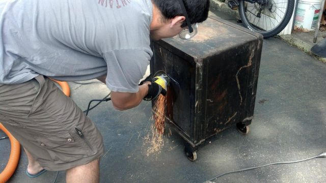 "How to Literally ""Crack"" an Old Safe"