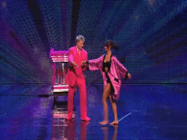 Illusionist Stevie Pink's Stunning Performance on Britain's Got Talent