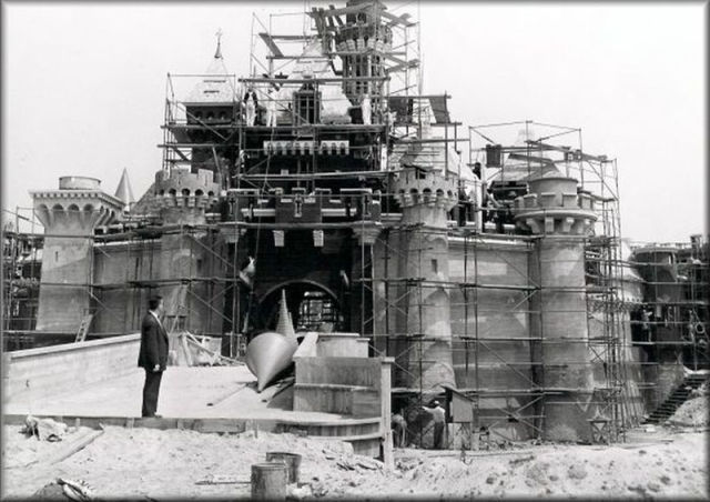 Old Photos of Famous Structures and Monuments Being Built