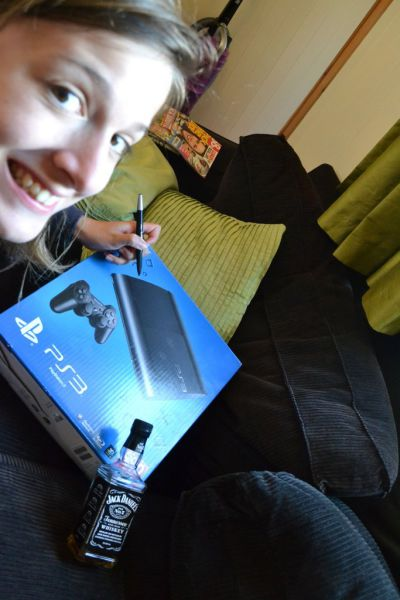 Guy Buys a Playstation and His Girlfriend Sends Him These Pics