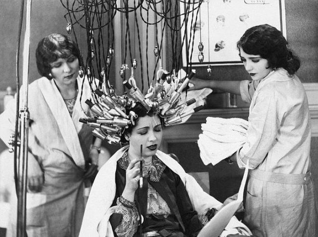 Beauty Shops at the Beginning of the 20th Century