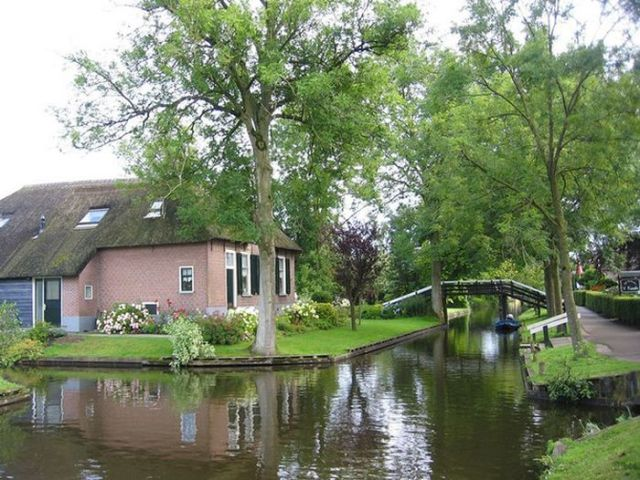 A Dutch Village Only Accessible by Boat