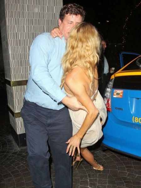 Drunk Brandi Glanville Shows Her Butt to the World