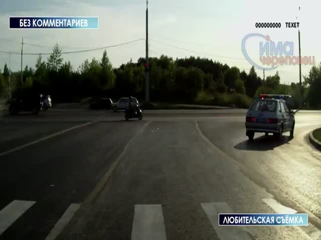 Russian Police Car Gets Crashed into Twice