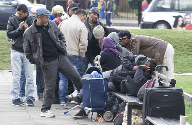 Romanian Gypsies Turn UK Streets into a Filthy Mess (44