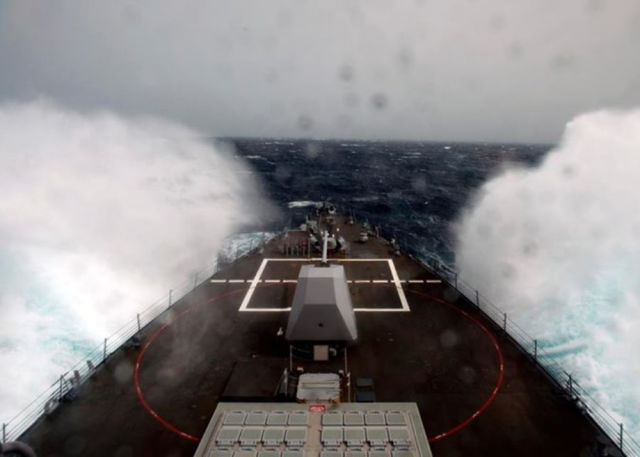 Great Photos of Navy Ships in the Middle of the Ocean