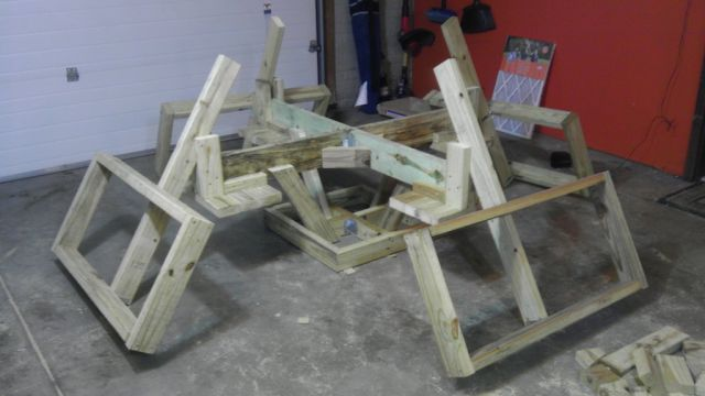 Diy floating picnic table that is perfect for summer 23 pics 14 watchthetrailerfo