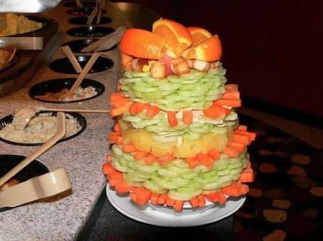 The Chinese Salad Tower for Enthusiastic Salad Lovers