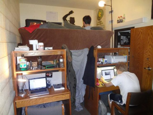 A Clever Way to Maximise Your Dorm Room Space