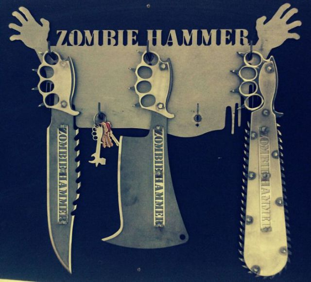 Awesome anti zombie knives from zombiehammer 6 pics for Anti moustique fait maison