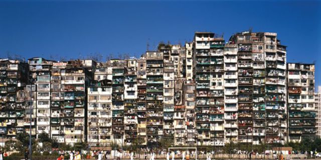 One-of-a-kind Walled City in Hong Kong Is Overflowing with People