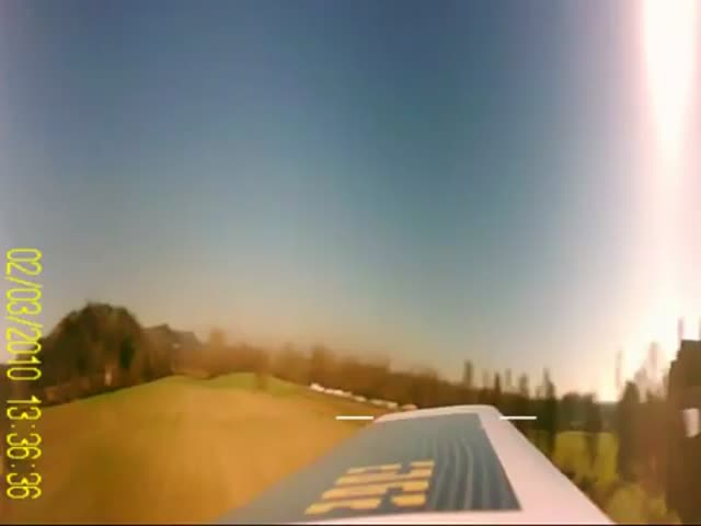 What It Looks like When You Attach a Camera on a RC Helicopter Rotorhead