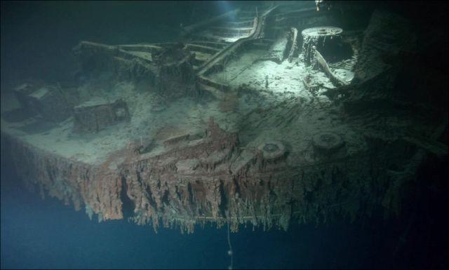 Undersea Photos Of The Titanic Wreckage 42 Pics