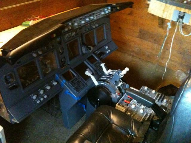 Norwegian Truck Driver Builds a Hyper-Realistic Boeing 737 Cockpit