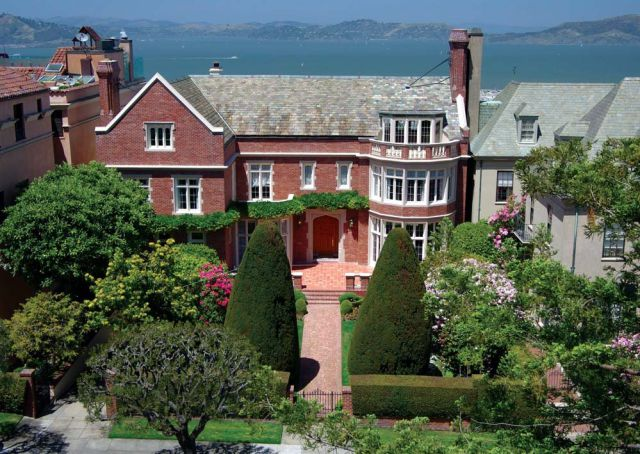 The House That the Yahoo CEO Is Not Buying