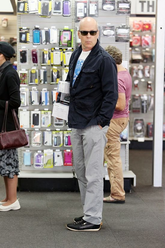 A Strange Man Spotted in a Los Angeles Shop