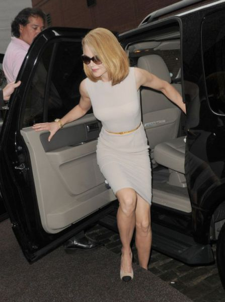 Nicole Kidman Knocked Over by a Paparazzo on a Bicycle in NYC