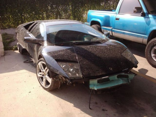 Lamborghini Survives Only One Day with Its New Owner