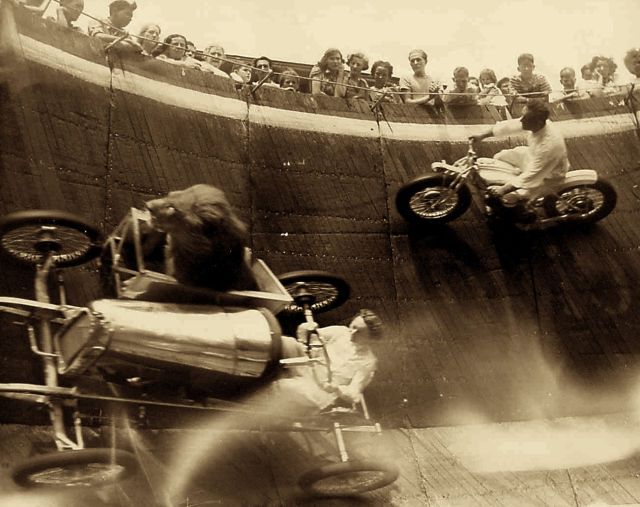 Past Photographs That Are Historically Significant and Also Quite Cool