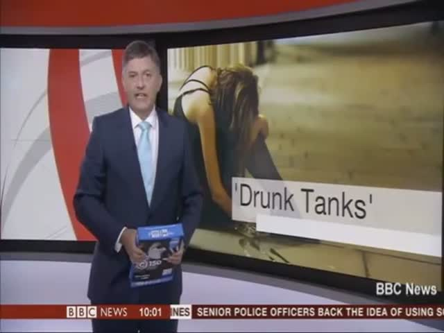 BBC News Presenter Mistakes Pack of Photocopier Paper for iPad