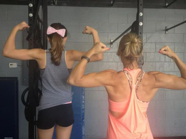 Pregnancy Can't Stop This Woman from Weightlifting