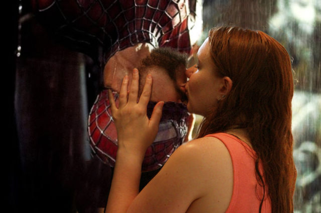 A Cute Nerdy Couple and Their Fantastically Geeky Engagement Photos