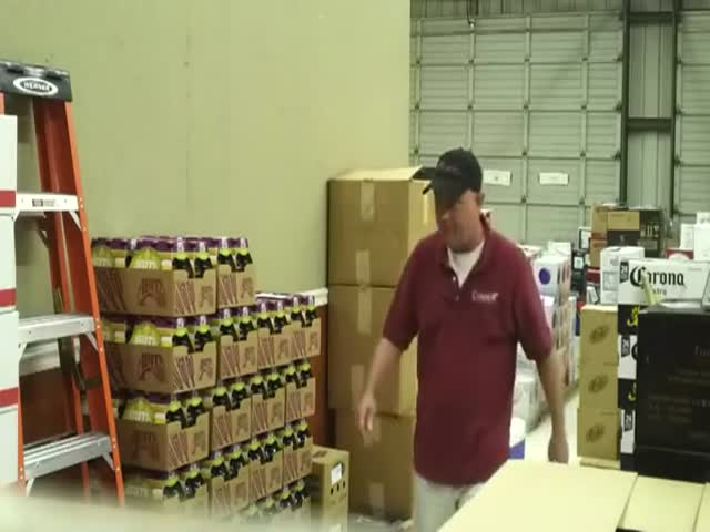Hidden Employee Scares the Crap Out of Boss