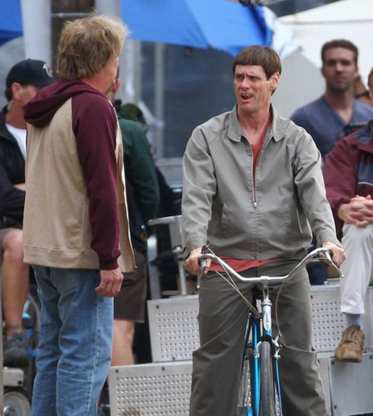 "Some of the On-Set Shenanigans on ""Dumb and Dumber To"""