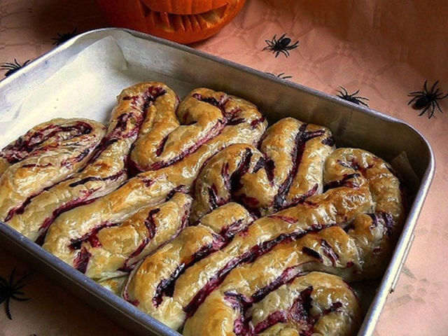Gross Halloween Treats That Will Make Your Guests Gag