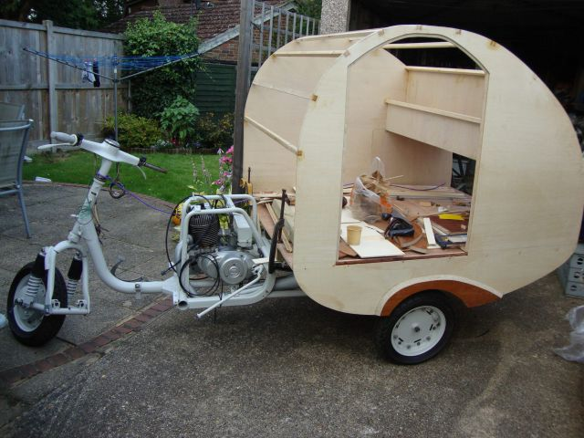 A Soviet Era Scooter Transformed into a Nifty Mobile Home