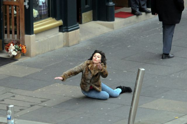 This Scarlett Johansson Falling Down Meme Is So Funny