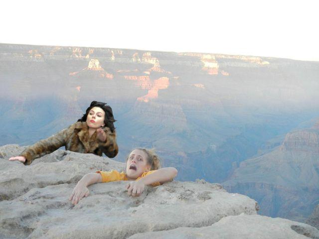 This Scarlett Johansson Falling Down Meme Is So Funny