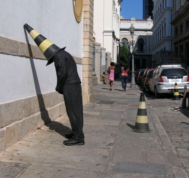 An Artistic Troll That Will Make You Look Twice