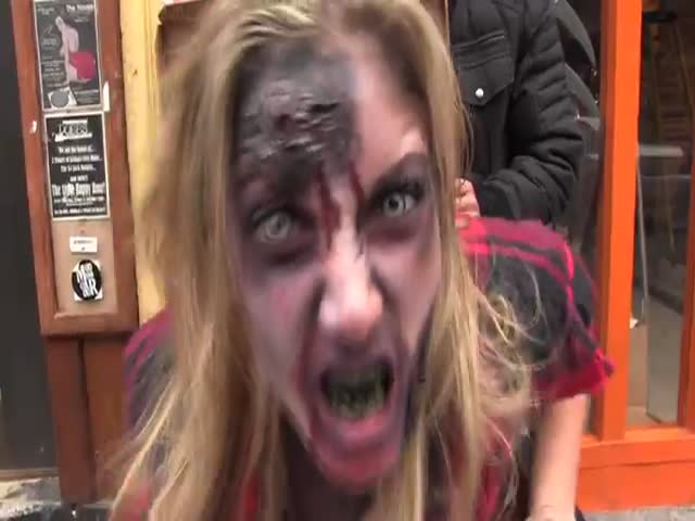 Free Pizza Prank - Scary Zombie Girl Edition