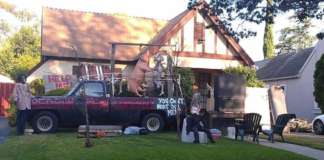 Rad Halloween Houses That Are Totally Kicking Ass This Year