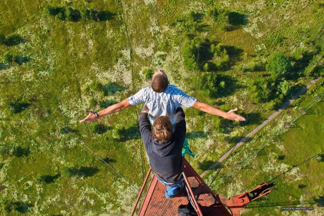 Adrenaline Junkies Who Live Life on the Edge