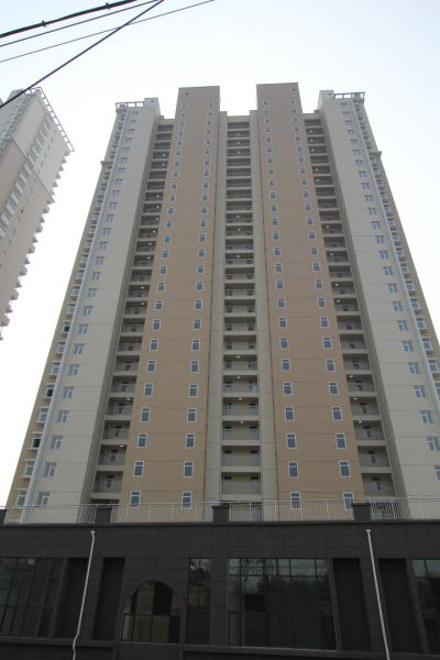 Chinese Contractors Make Housing Even Cheaper with This Strange Trick…