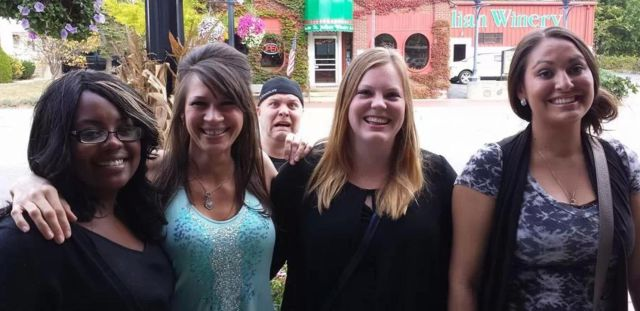 How to Photobomb Right